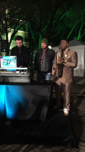 Sax and DJ at Fashion houston